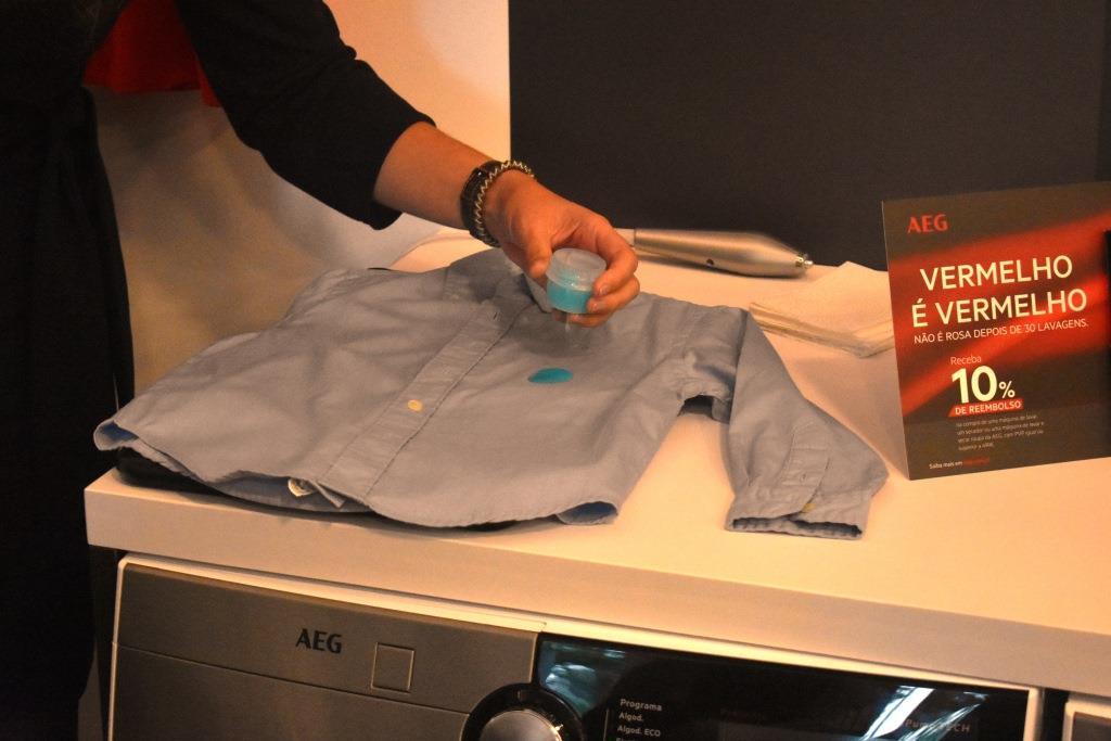 Pré tratamento de roupa para remoção de nódoas